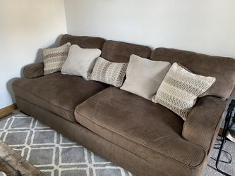 Couch for Sale in Mascoutah,  IL