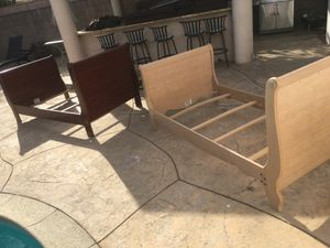 2 TWIN BED FOR SALE INCLUDING MATTRESSES for Sale in Los Angeles, CA