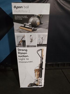 Dyson Ball Multifloor 2 Bagless Vacuum for Sale in Tacoma, WA
