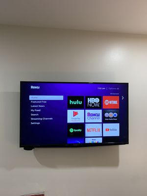 40 in. Insignia TV sold with mount for Sale in Rex, GA