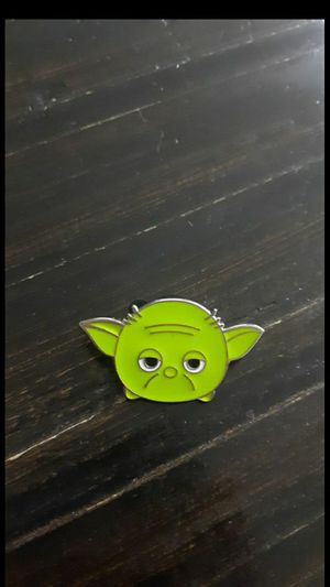 Disney trading pin star wars master Yoda TSUM for Disneyland landyard for Sale in Phoenix, AZ