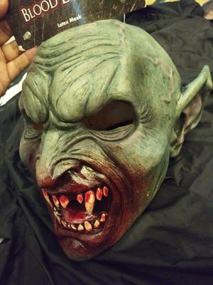 Adult HALLOWEEN MASK for Sale in Riverside, CA
