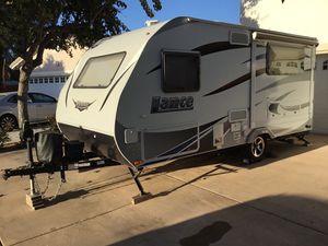 2016 Lance 1575 Travel Trailer for Sale in Chula Vista, CA