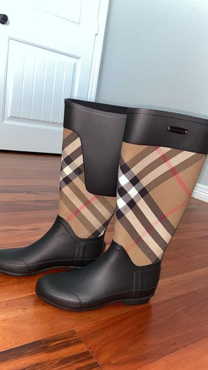 Burberry Clemence Rain Boot Size 6.5 for Sale in Cedar Hill, TX