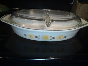 Pyrex dish with lid for Sale in Aurora, CO