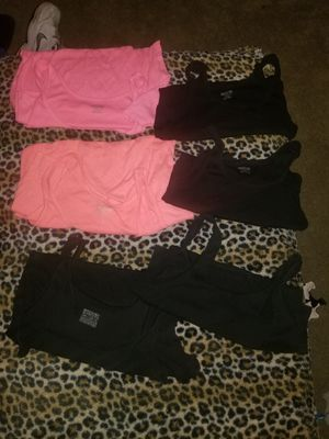 Bundle of 6 Woman's Size 2 X-Large Tank Tops Great Condition Porch pick up in Taylor for Sale in Taylor, MI