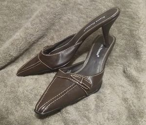 Tasteful Pierre Dumas Pumps Heels for Sale in Indianapolis, IN