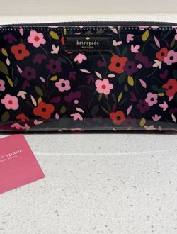 Brand New Kate Spade Wallet 100% Authentic for Sale in Dumfries,  VA