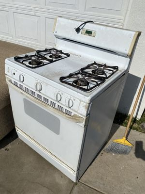 Gas stove for Sale in Bakersfield, CA