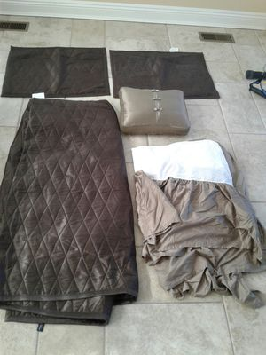 5 piece bedding set for Sale in Taylor Mill, KY