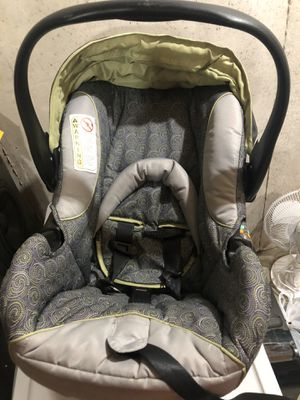 LIKE NEW Infant Car seat LIKE NEW for Sale in Zion, IL
