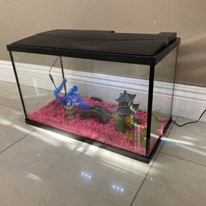 10 Gallon Aquarium Fish Tank With Pink Gravel And LED Light Bar Top Fin for Sale in Yorba Linda, CA