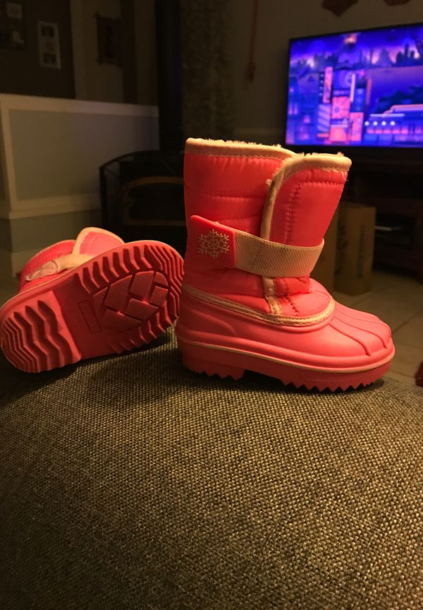 Snow boots toddler size 5