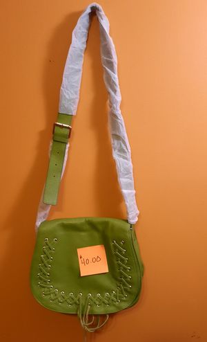 GREEN SATCHEL CROSS BODY BAG for Sale in Riverdale, GA