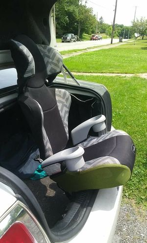 Toddler car seat for Sale in Youngstown, OH