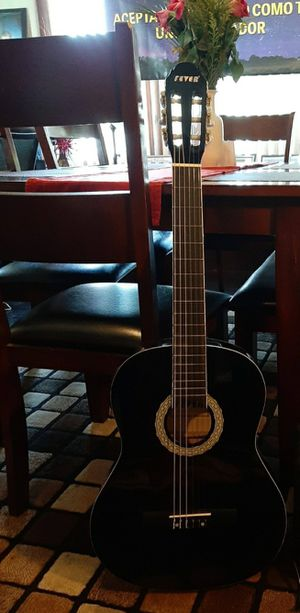 Fever acustic/electric guitar for Sale in Lynwood, CA