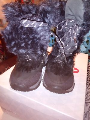 North Face boots for girls for Sale in Marlow Heights, MD