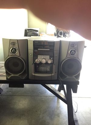 Sony CD player holds 51 cds for Sale in Federal Way, WA