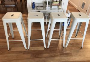 "4 White Metal Bar Stools 30"" & TV for Sale in Fairfax, VA"