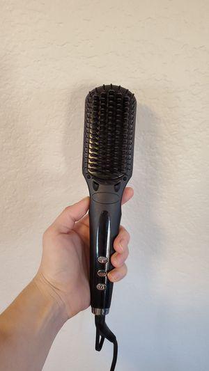 Head kandy hair straightener brush! for Sale in Litchfield Park, AZ