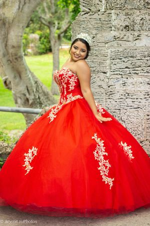 Quinceañeras dress for Sale in Miami, FL