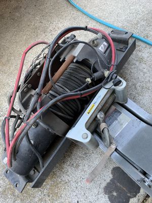 Warn winch xd9000i with mount and controller for Sale in Milpitas, CA