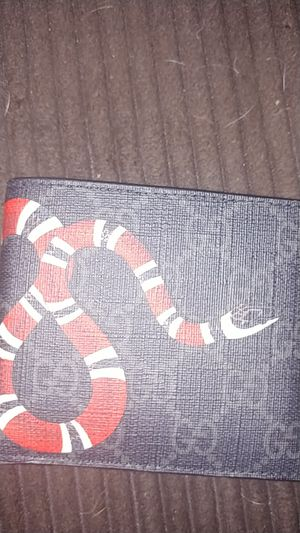Gucci wallet for Sale in Oklahoma City, OK