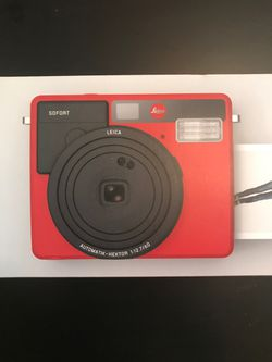 Leica Sofort Red - WANT TO TRADE for ANY other color for Sale in Ellensburg,  WA