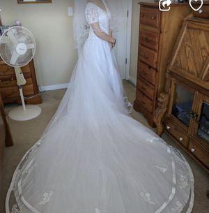 Wedding dress size 6 for Sale in Pasco, WA