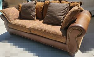Sofa very good condition for Sale in Hemet, CA