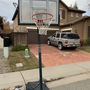 Ok Condition Basketball Hoop for Sale in Roseville, CA