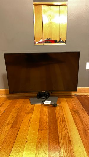 Dell 28 in curved monitor for Sale in Chicago, IL