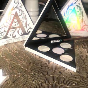Maquillaje Kat Von D for Sale in Glendora, CA