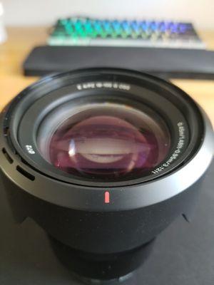 Sony E PZ 18-105mm f/4 G OSS lens (E mount) for Sale in Anaheim, CA