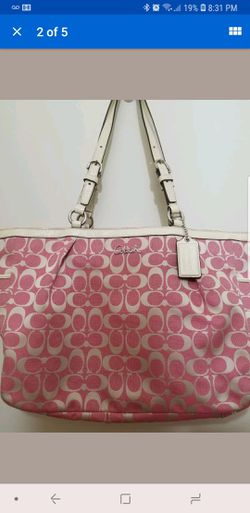 Authentic Coach tote bag Pink . Like new for Sale in Morristown,  VT