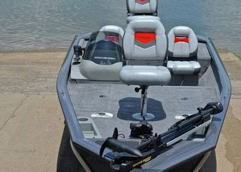 Great Condition 2012Bass Tracker Pro For Sale🌊 for Sale in Aurora,  IL