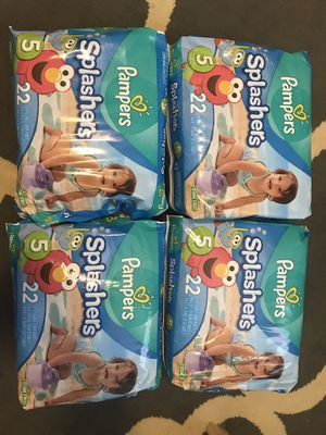 Pampers splashers size 5 for Sale in Columbus, OH