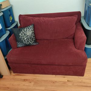 Loveseat pulls out to twin bed! for Sale in Denver, CO