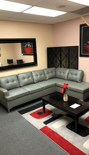 2pc sectional (Available in Brown and black ) for Sale in Stockton, CA
