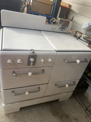 Old fashion stove for Sale in Glendora, CA
