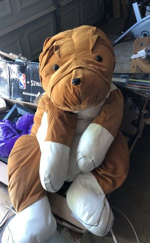 Giant stuffed animal for Sale in Manassas, VA
