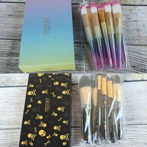 Bundle Of 2 MakeUp Brushes for Sale in North Las Vegas, NV