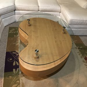 Kidney shaped coffee and end table for Sale in Ashburn, VA