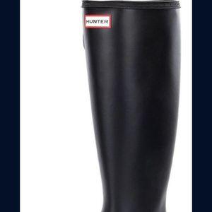 Hunter Womens Original Matte Tour Buckle Strap Rain Boots for Sale in Lake Forest Park, WA