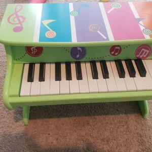 Baby piano for Sale in Chicago, IL