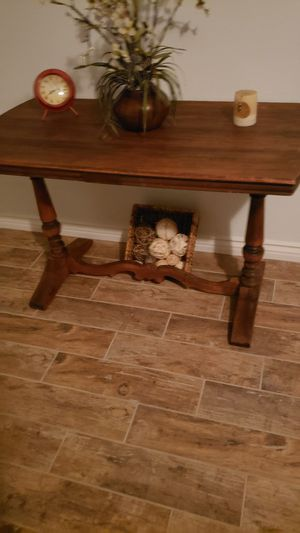 Entry table for Sale in Menifee, CA