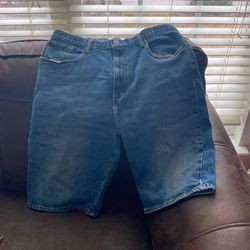 3 Pair Men Levi ,polo Assn.,Ecko Shorts Size W32 W33 for Sale in Dallas,  GA