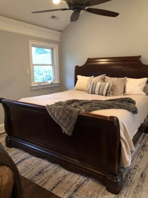 Bed frame king size for Sale in Victoria, VA
