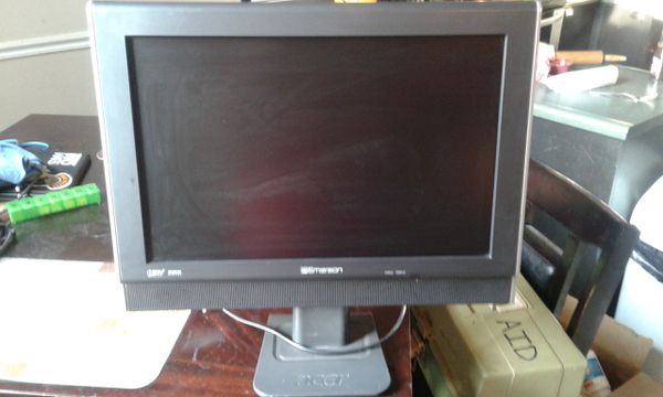 "19"" Emerson Hd LCD TV/computer monitor"
