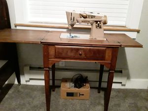 Sewing machine for Sale in Colorado City, CO